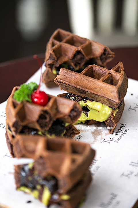 Avocado chocolate waffle