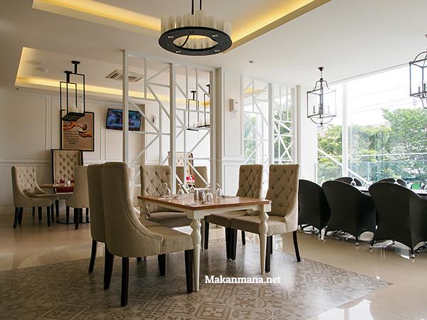 Ruang makan lantai 2