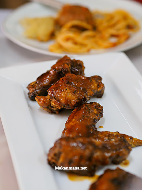 Buffalo Chicken Wing (18rb)