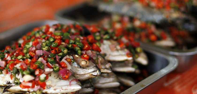 Video: Warung Kak Yus, Ikan acarnya best! 1