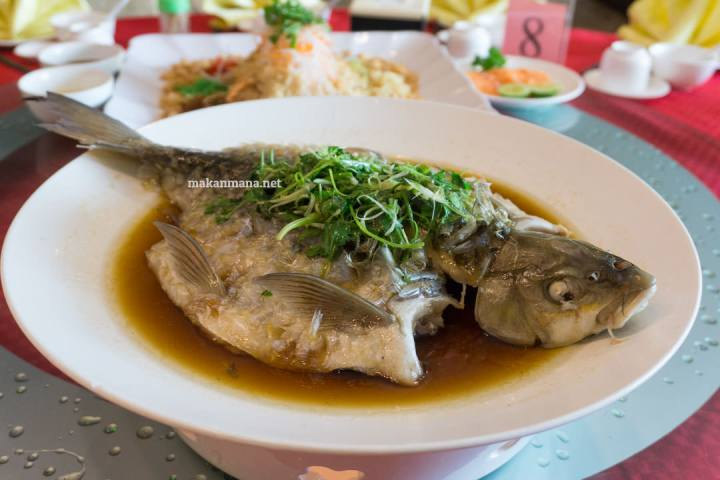 Cheng Beng - The Family Reunion at Hee Lai Ton Restaurant 9