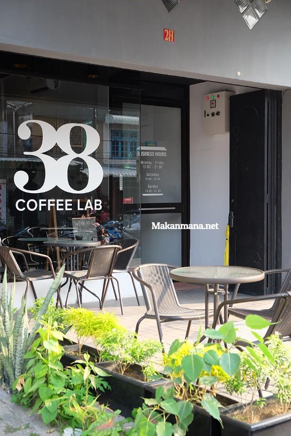 38 Coffee Lab, Home to 2nd Indonesian Aeropress Champion 2017 2