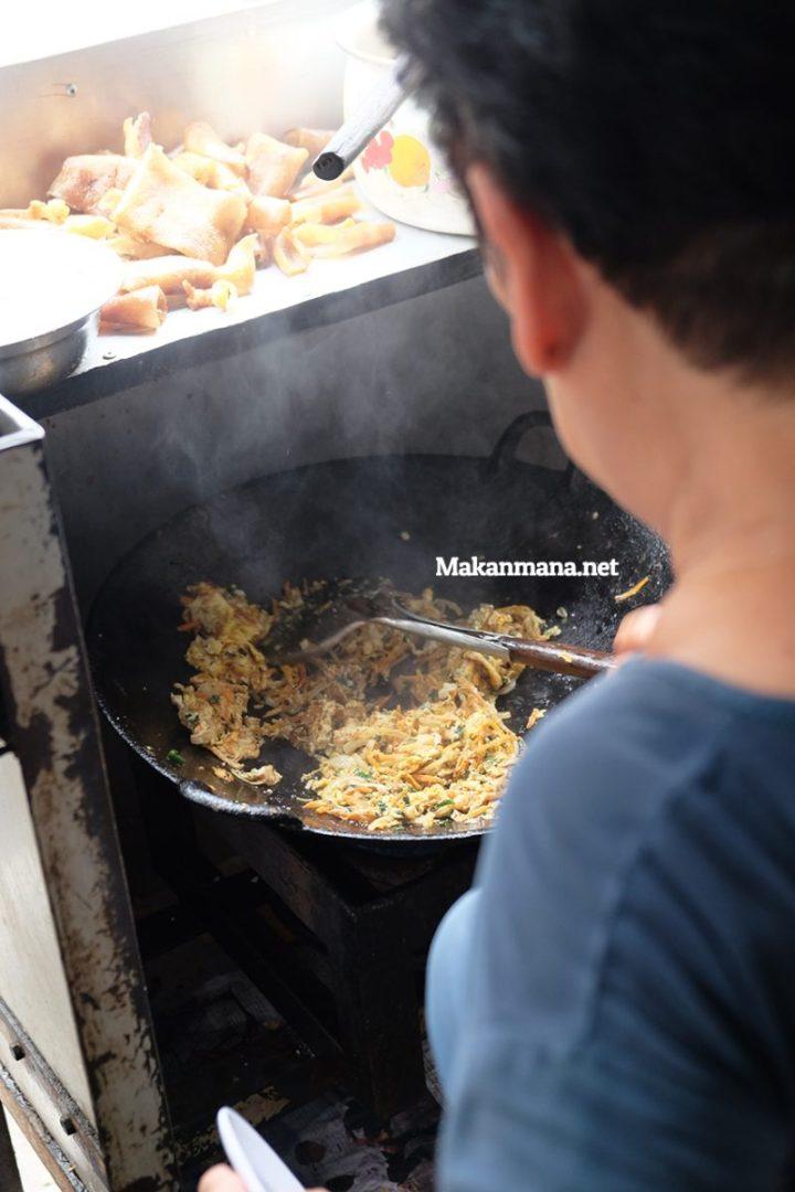 ayi masak 2.jpg