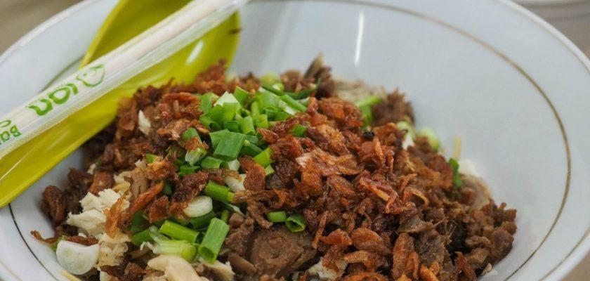 Menjelajahi Kuliner Legendaris: Mie Pangsit Tiong Sim 1