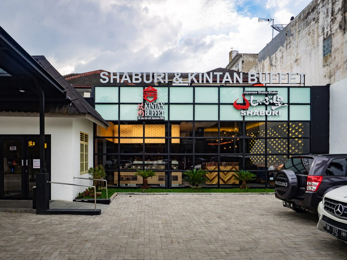 Makan sepuasnya! Nabemono dan Sukiyaki di Shaburi & Kintan Buffet Medan