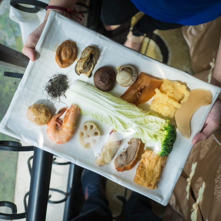 Regale Palace Restaurant: Sebuah Tradisi Makan Malam Imlek 3