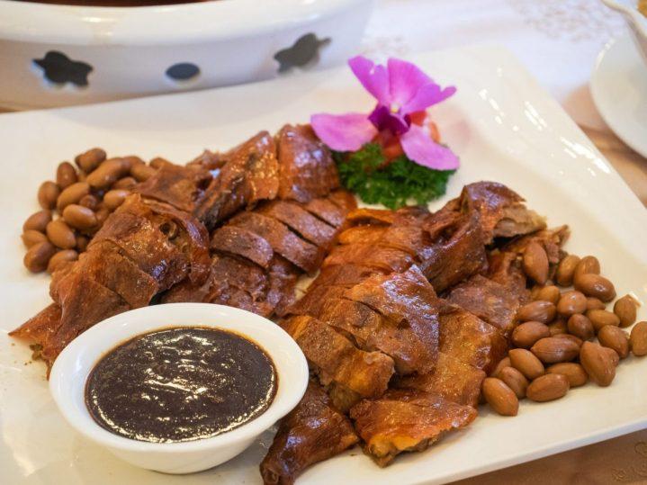 Regale Palace Restaurant: Sebuah Tradisi Makan Malam Imlek 12