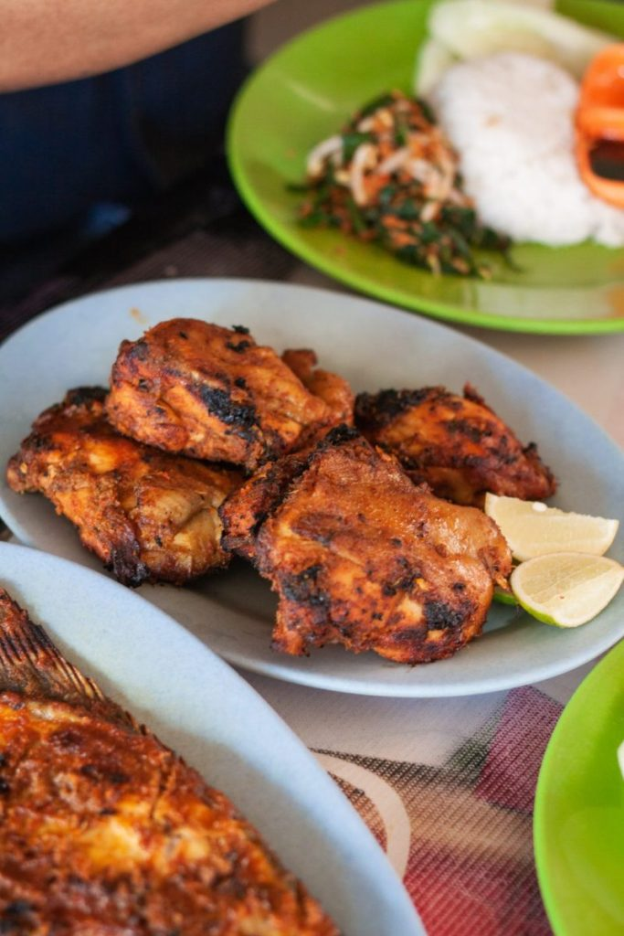 Ayam dan Ikan Bakar Halimah - BBQ à la Indonesia 6