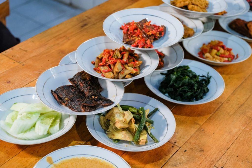 nasi padang nusantara vegetarian kuliner medan