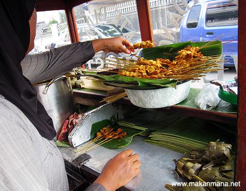 100 Must Eat Local Street Food in Medan 2019! 145