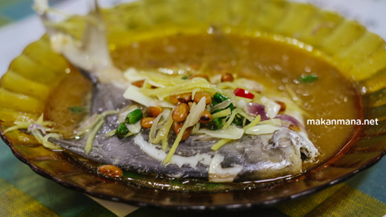 steamed pomfret at RM Bintang Bawal kuliner medan, makanmana