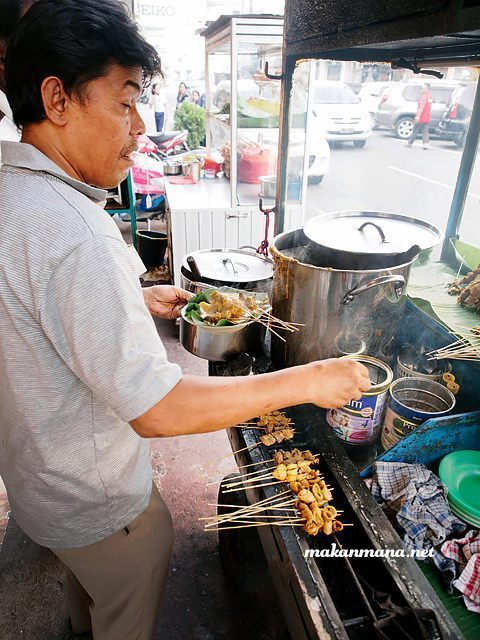 30 Halal Foods YOU CAN'T MISS when you visit Medan! 13