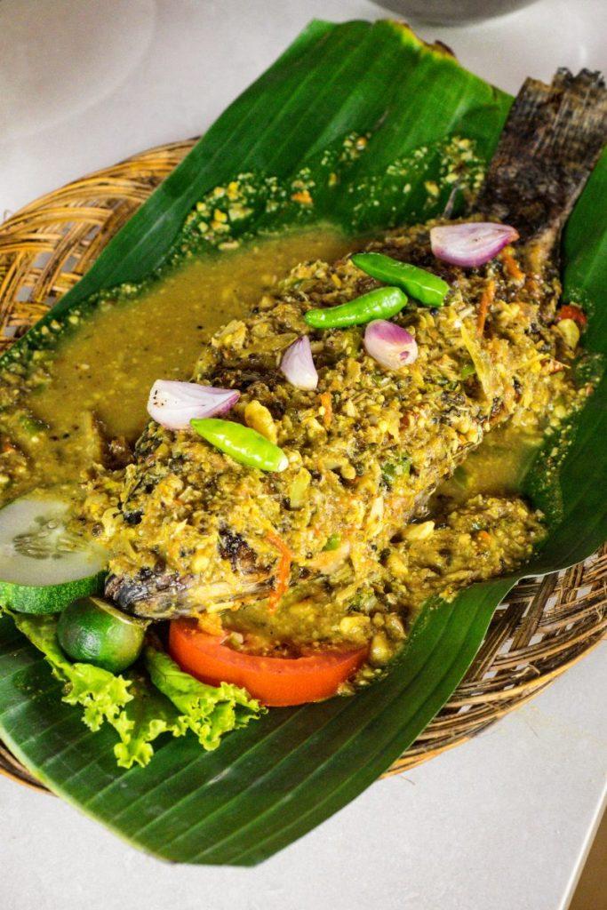 Pondok Makan Sitalolo - Ternyata Begini Kuliner Tepi Danau Khas Batak! 20