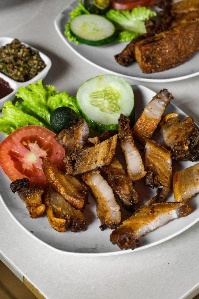 Pondok Makan Sitalolo - Ternyata Begini Kuliner Tepi Danau Khas Batak! 17