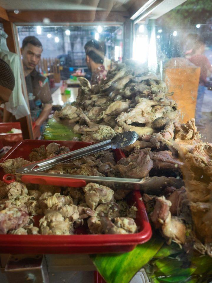 Ayam Pecak Joko Moro – Pedasnya Endes!