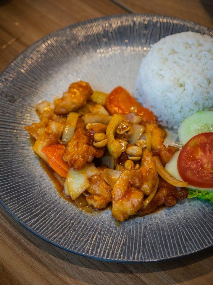 Nikmatnya 5 Kuliner Khas Thailand di Gang Aroy 15