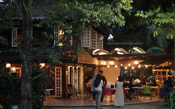 TOP 5 Instagrammable Cafe di Medan Sunggal yang Wajib Dikunjungi! 36