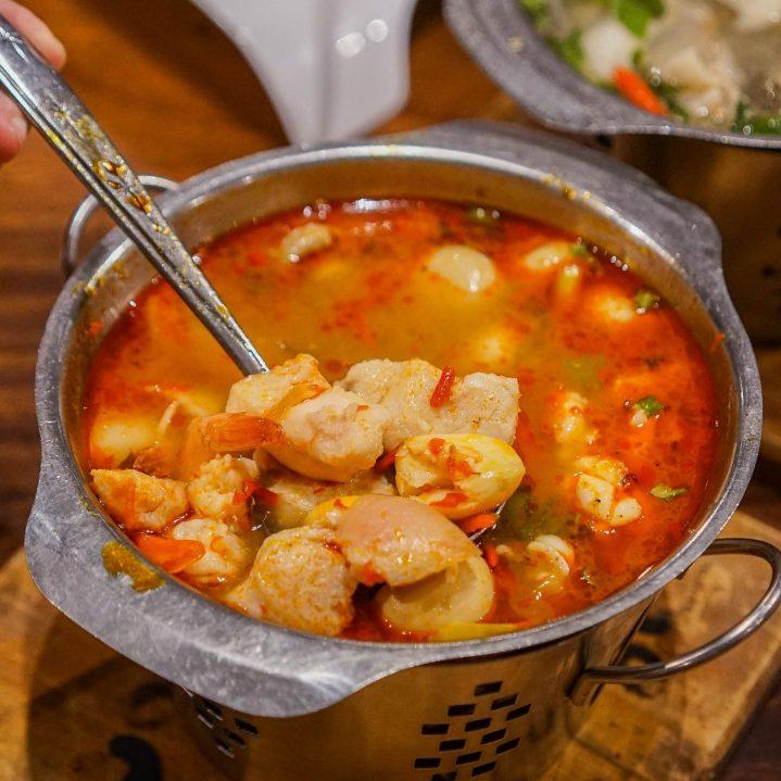 tom yam seafood koki sunda kuliner medan