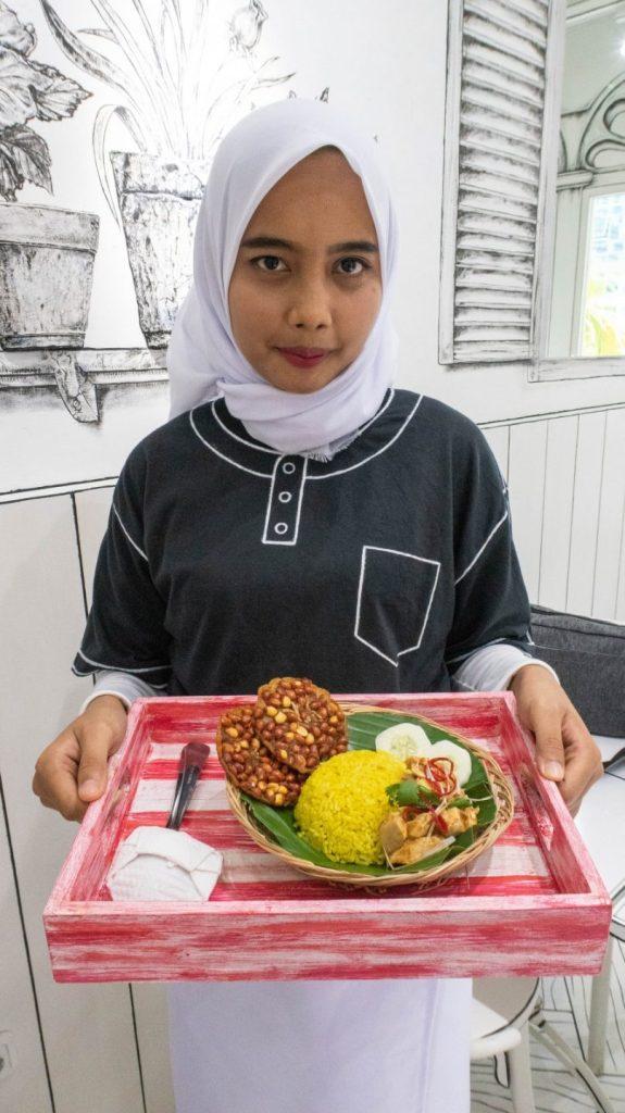 Mamak Me.N.U, Portal Unik Menuju Dunia Lain di Medan