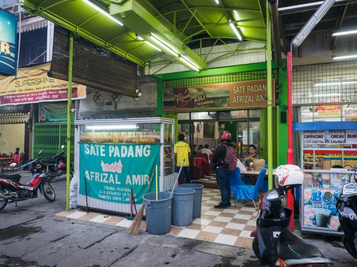 5 Sate Padang Pedes Endes di Medan! 5