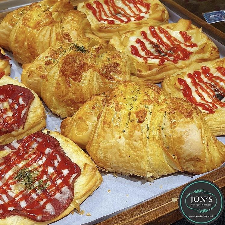 roti Jon's Boulangerie Patisserie kuliner medan