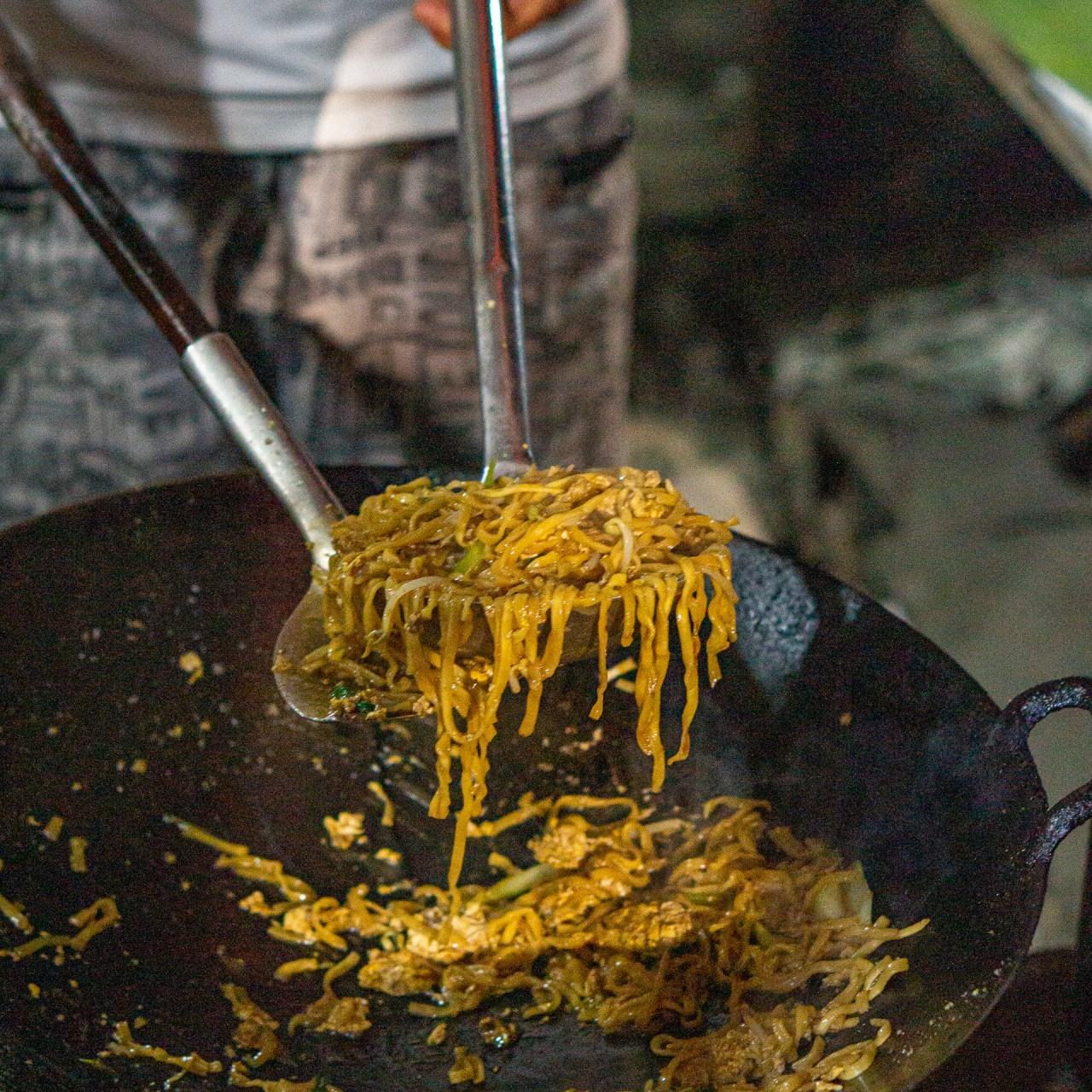 cha cha acek bongkok karangsari kwetiau medan kuliner medan