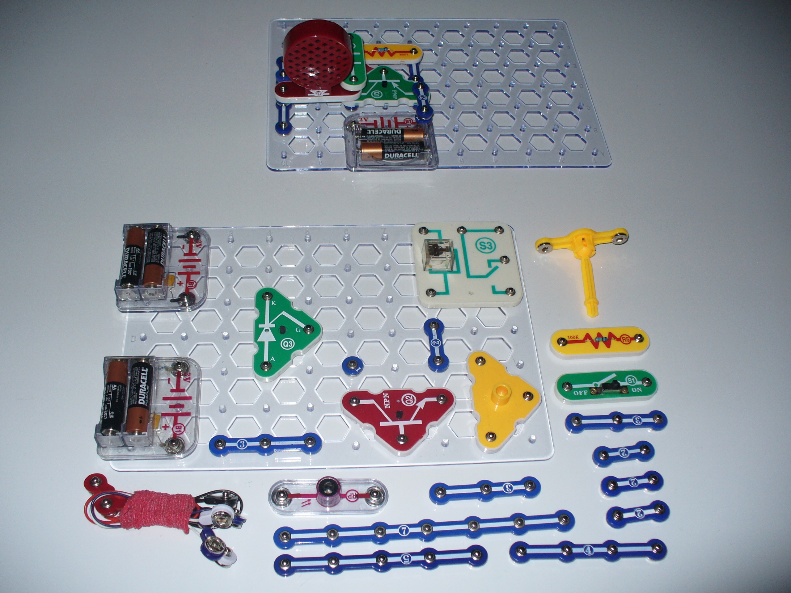 Laser Tripwire And Alarm Using Snap Circuits Make