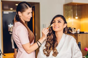 Make-up and hair styling von Braut Visagistin Dina Khmylova (Make Me Up Frankfurt).