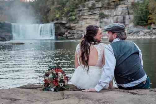 Kentucky Elopement Photographer for hiking and outdoor and adventurous elopements