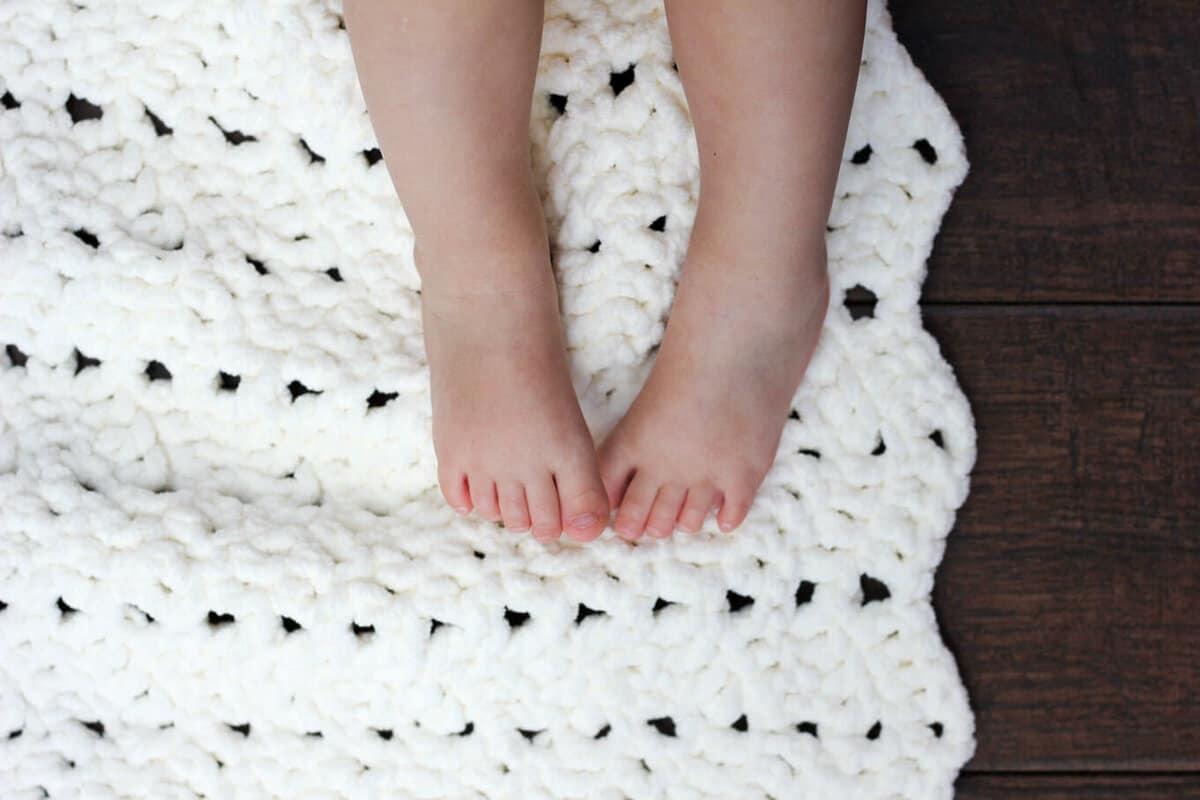 Easy Crochet Shell Baby Blanket Patterns ~ Pakbit for