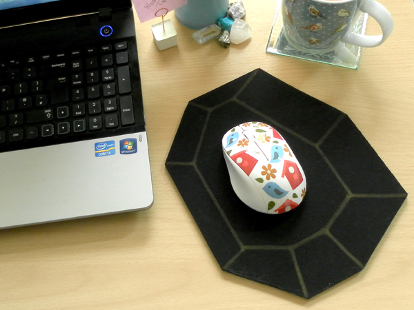 Black and Gold Geometric Mouse Mat DIY Tutorial