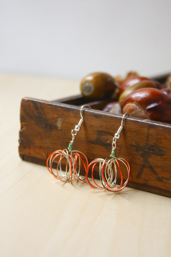 Wire Pumpkin Earrings Halloween DIY Tutorial