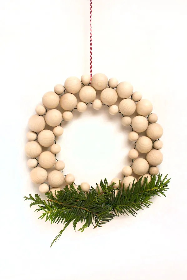 Beaded Christmas Wreath DIY Tutorial