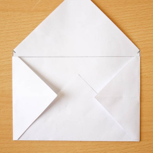 How to make an Envelope out of Wrapping Paper