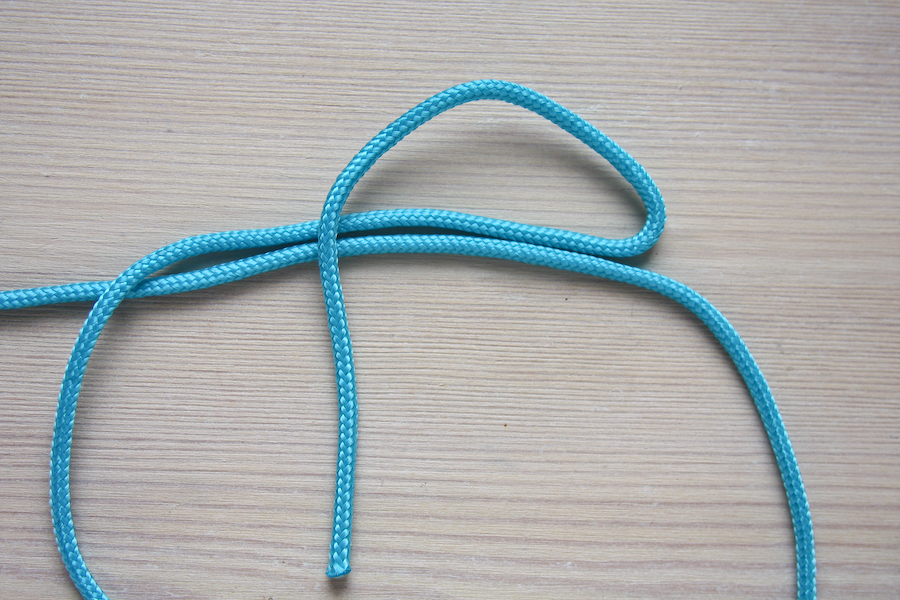 How to tie a barrel sliding knot by Make and Fable