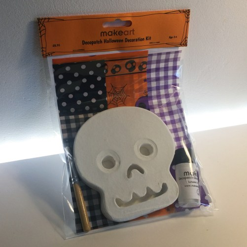 Product Image of Decopatch Skull Kit