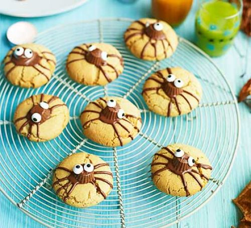 Halloween Craft Recipe Idea - spider biscuits