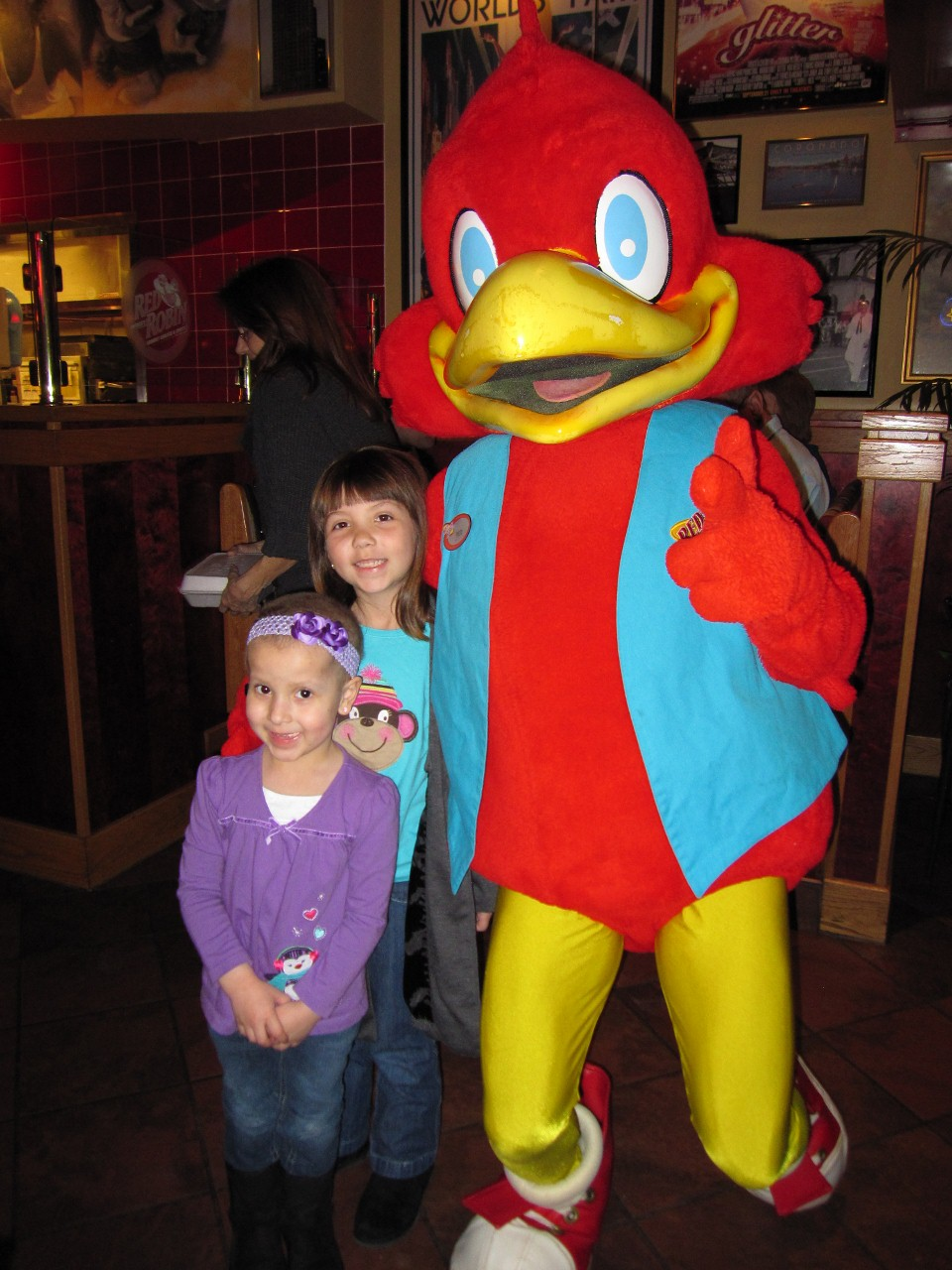 Sophias Incredible Wish Party Thanks To Red Robin Burgers Make A Wish Foundation Of