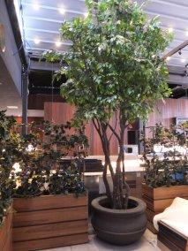 Rock-n-Reillys NYC, faux trees