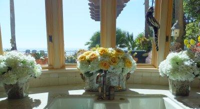 fresh-cut-hydrangeas-roses