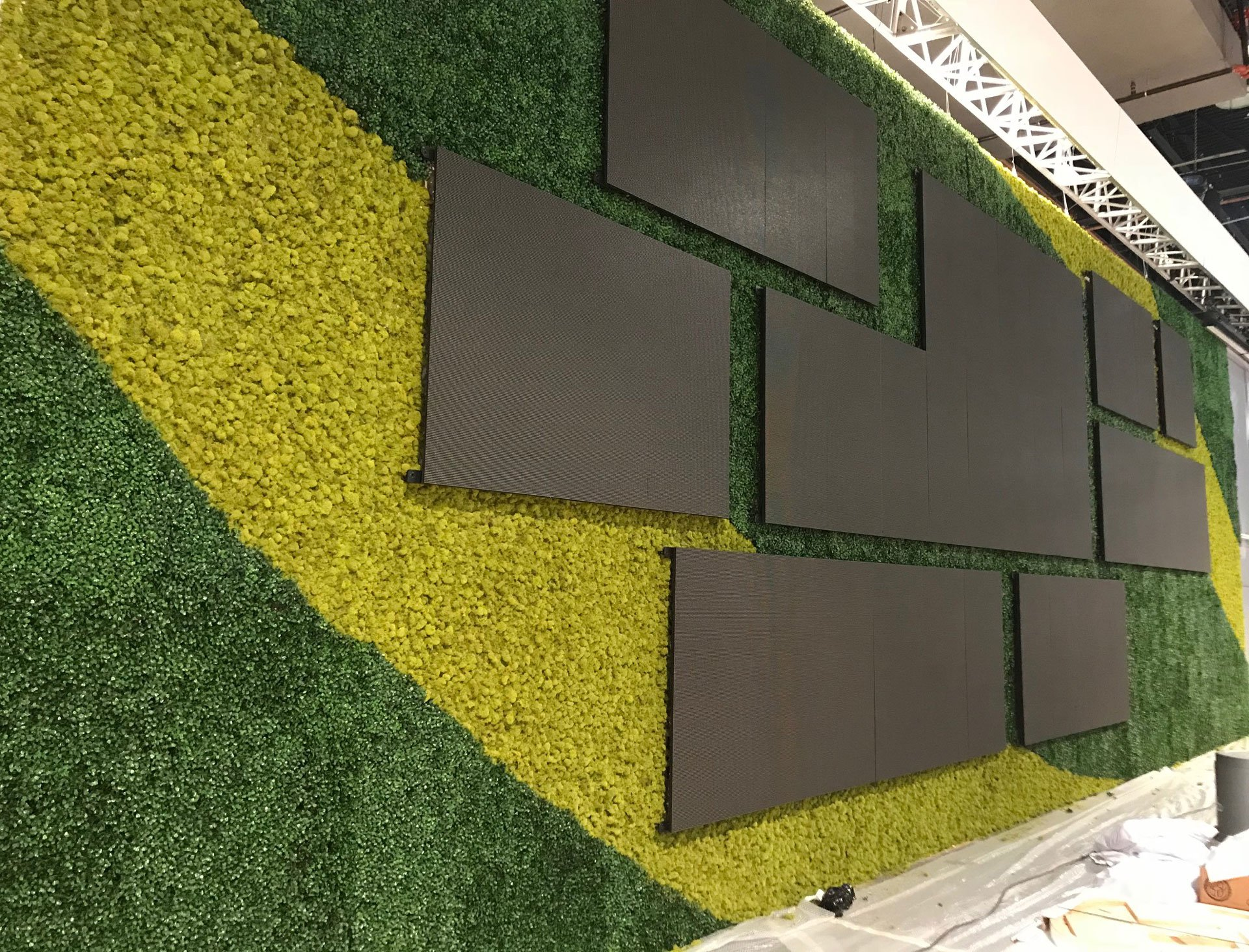 ICSC Las Vegas Show, Large Faux Green Walls - Make Be-Leaves