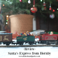 Review // Santa's Express Train Set from Hornby