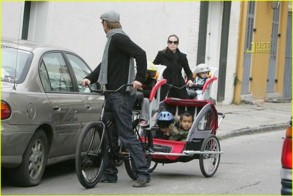angelina-jolie-shiloh-bicycle-02