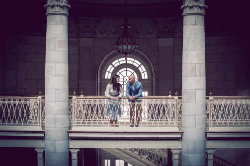 engagement_photos_Hartford_city_hall1