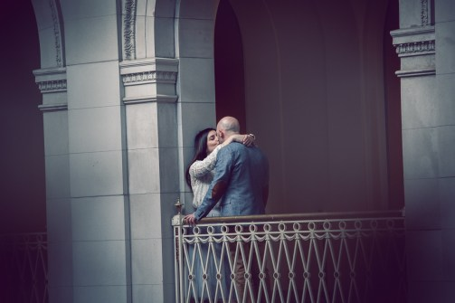 engagement_photos_Hartford_city_hall3