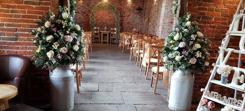 Rustic Barn Themed Wedding Event Make It Special Events Decor