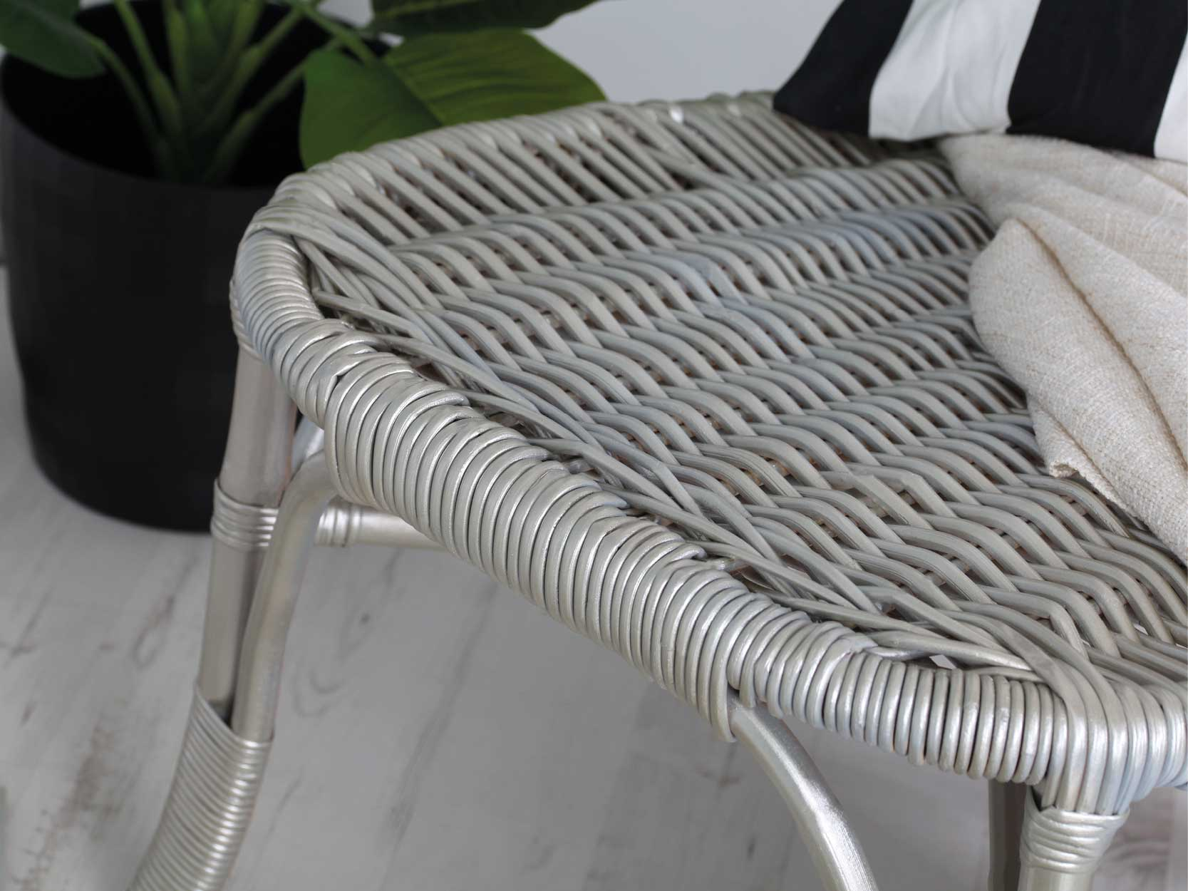 White And Gold Chair How To Create A Metallic White Gold Chair Rustoleum
