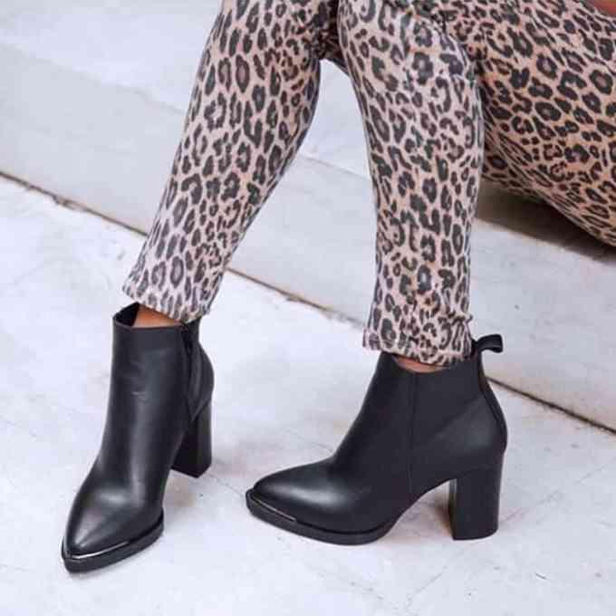 Grumman mpotakia me metallikh leptomereia 1 - Γυναικεία Παπούτσια - Προτάσεις Μόδας από τα Louizidis Shoes
