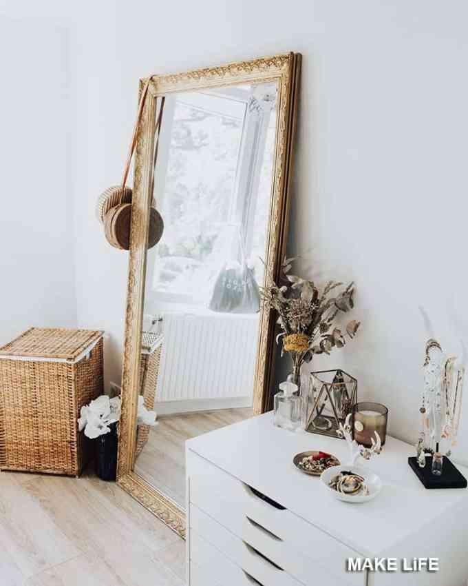 Decorating with mirrors - Πως θα κάνουμε ένα μικρό εξοχικό σπίτι να μοιάζει μεγαλύτερο