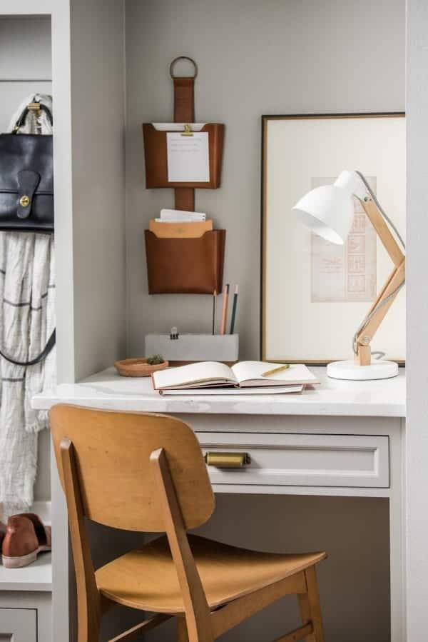 home office decoration 1 - Πως να δημιουργήσεις έναν εμπνευσμένο χώρο γραφείου στο σπίτι